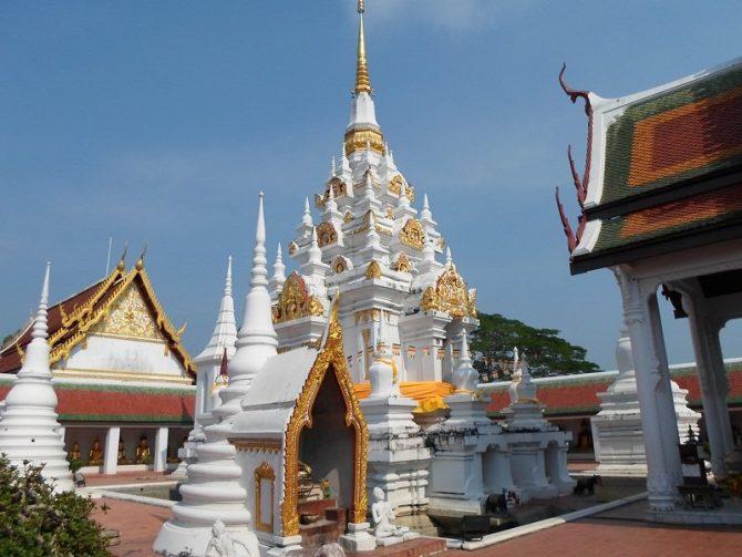 Wat Phra Boromathat