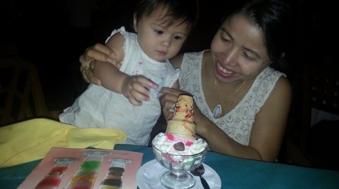 Little Girl gets her big ice cream at Khai Mook Restaurant
