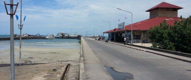 Na Thon Ferry Pier