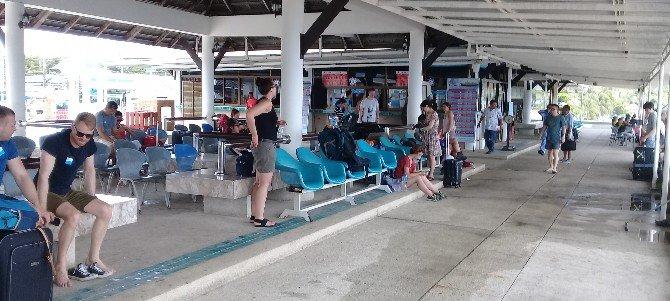 Waiting area at Bangrak Seatran Pier in Koh Samui