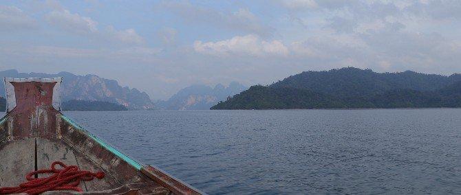 Boat tour on Cheow Lan Lake