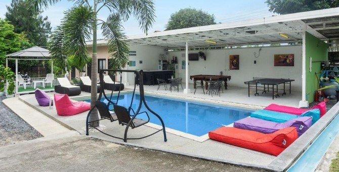 Pool area at Samui Backpacker Hotel