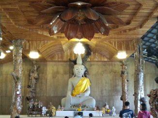 New shrine hall at Wat Tham Pha Daen